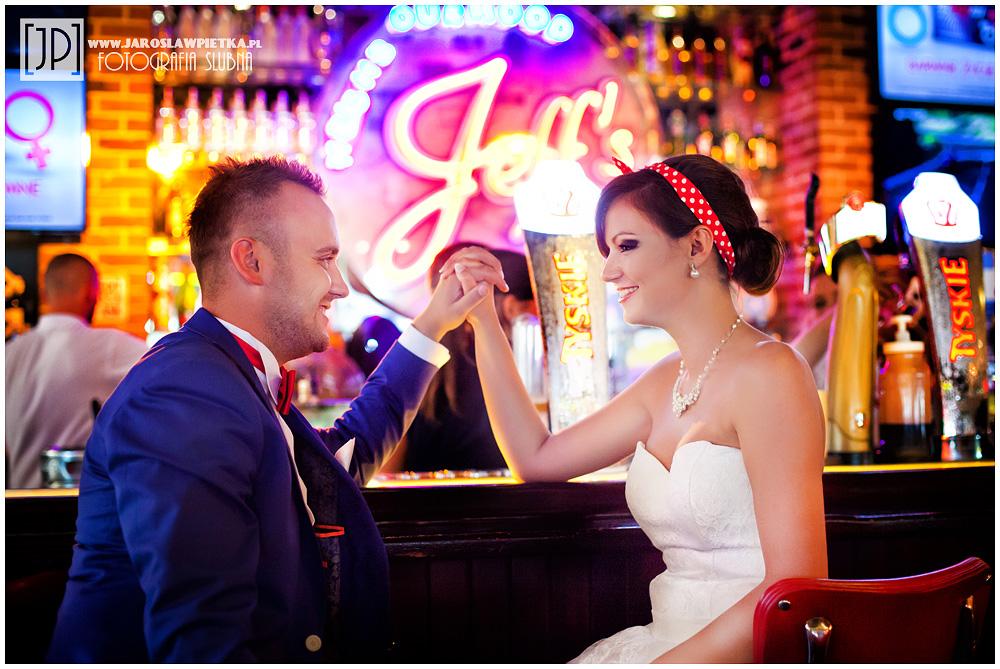Magda i Rafał – sesja ślubna w stylu pin up